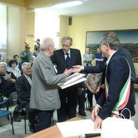 Fassino ad Avigliana con i partigiani per ricordare il padre morto 50 anni