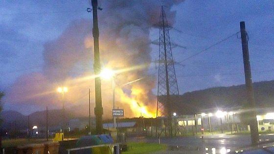 Incendio in azienda chimica torinese, vigili del fuoco ustionati