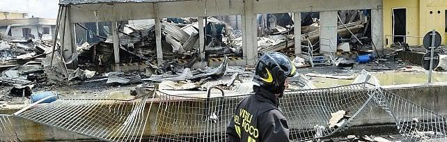 Esplosione fabbrica, titolari aggrediti  e malmenati dai vicini di casa danneggiati