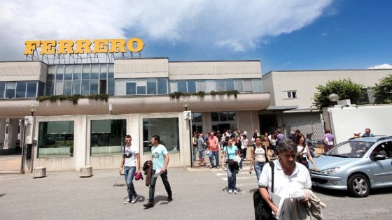 Alba, il welfare della Ferrero: tre anni di stipendio alla famiglia se muore un dipendente