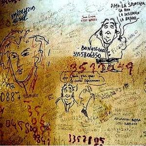 """Trova un padrone il """"muro degli Angeli"""", la parete della stanza di Alda Merini con le sue poesie"""