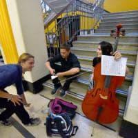 Torino, la prima maturità al liceo musicale tra arpe e contrabbassi