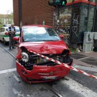 Torino, scontro fra due Cinquecento in via Giolitti. grave una donna