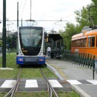 Torino, black out in mezza città: tutti tram fermi un'ora, clienti bloccati