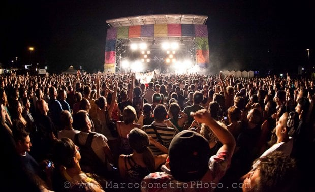 Il Piemonte è un palcoscenico: l'estate giovane dei concerti all'aperto