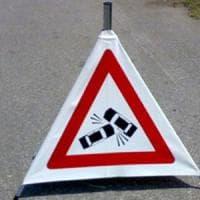 Auto fuori strada nel Cuneese: muore il conducente, grave la moglie