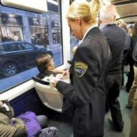 Torino, controllore Gtt fa la multa a una donna senza biglietto: aggredito