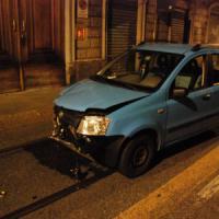 Scontro tra auto e moto in centro a Torino, grave un centauro