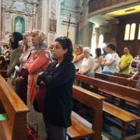 Nel paese della coppia ferita a Nizza l'abbraccio più bello tra cristiani e musulmani