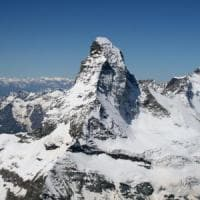 Trovati  senza vita i due alpinisti inglesi bloccati sul Cervino da 36 ore