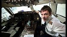 Sorpresa sul volo Olbia-Torino: il pilota è il leader degli Iron Maiden