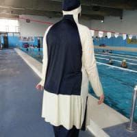 Torino, la piscina rosa dove le donne musulmane rinunciano al burkini