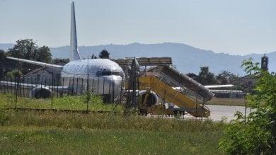 Avaria al motore costringe all'atterraggio d'emergenza un Boeing diretto a Olbia