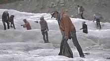 Monte Bianco, i volontari ripuliscono il ghiacciaio: già raccolte 18 tonnellate