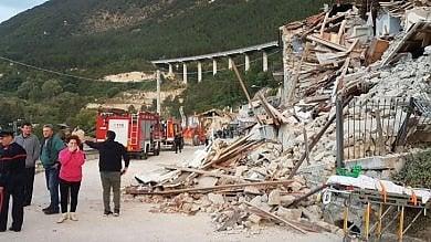 Terremoto, da Piemonte e Val d'Aosta  i soccorsi di Vigili del fuoco e Croce rossa