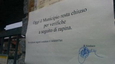 A Ciconio municipio chiuso per rapina,  ma i banditi si sono sbagliati