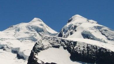 """Tragica catena di incidenti sulle Alpi altri tre alpinisti muoiono sul Monte Rosa   La guida: """"Troppi inesperti in vetta"""""""