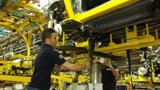 Torino, a Mirafiori ritorno in fabbrica di tutte le tute blu