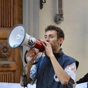 Biella, arrestato per stalking un leader del movimento animalista