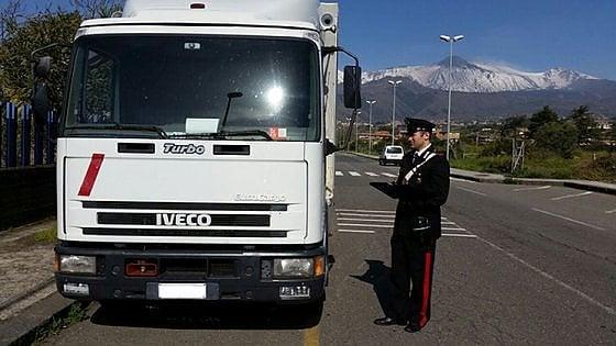 Torino eliche e motori d 39 aereo il bottino fuori dal - Foto di grandi camion ...