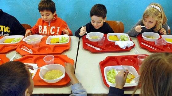 Il Comune nega il panino a scuola e i genitori mandano i bambini al ristorante di fianco