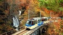 """Tra Piemonte e Svizzera col """"treno del foliage"""": il viaggio è uno spettacolo"""