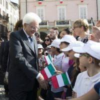 Le caramelle del Senatur a Mattarella: il dono di un bimbo al presidente