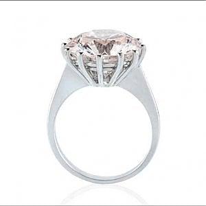 Record assoluto per la casa d'aste torinese Bolaffi: aggiudicato un diamante rosa per 700 mila euro
