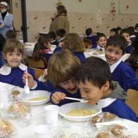 Torino, la querelle del panino a scuola finisce in caserma: preside denunciata