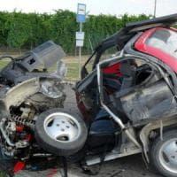 Cuneo, microcar contro una Mercedes: muore una donna di 83 anni