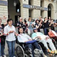 Torino, licenziata con la sclerosi: