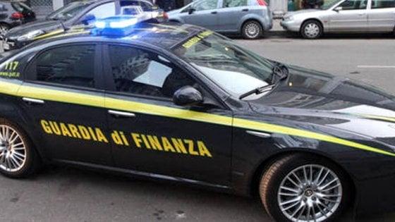 Torino: sorpreso ubriaco al volante, i finanzieri lo rispediscono a casa a piedi