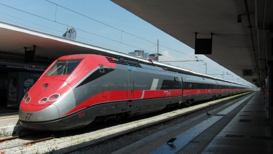 Frecciarossa bloccato a Chivasso, a bordo Mihajlovic e gli ad di Milan e Auxilium