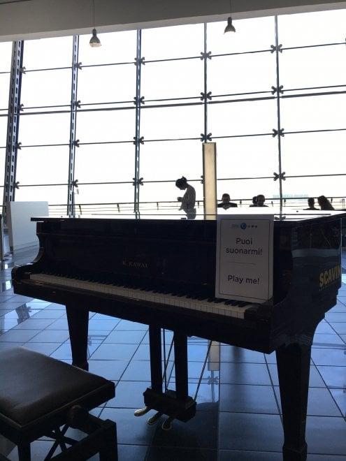 Suonare e poi partire: un pianoforte a Caselle