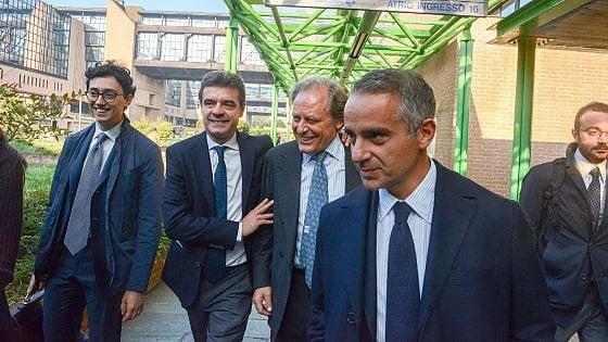 """Torino, l'ex governatore leghista Cota assolto per le """"mutande verdi"""". Condannati altri 10 consiglieri"""