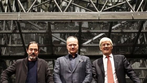 """Torino, """"La Bohème"""" al Regio: sfida contemporanea, l'opera finisce in gabbia"""