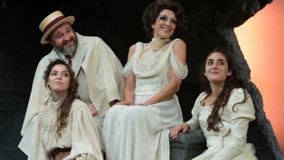 """""""Il giardino dei ciliegi"""" riletto da Malosti inaugura la stagione del Teatro Stabile di Torino"""