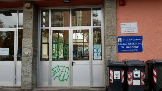 Collegno, una squadra anti-tag per coprire subito i graffiti sui muri delle scuole