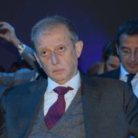 Torino, Fassino dopo il blitz della Finanza in Comune: