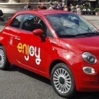 Torino, banda di minorenni ruba una Cinquecento di Enjoy: denuncia e maximulta