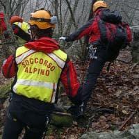 Cuneo,  cade in un dirupo: il cane lo salva  con i latrati che attirano i soccorsi