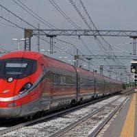 Torino, traffico ferroviario in tilt sulla linea per Milano. Ritardi fino