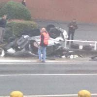 Vercelli: auto sbanda e finisce fuori strada, muoiono due ventenni, gravi