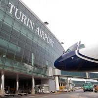 Torino, allarme bomba all'aeroporto di Caselle: scalo evacuato