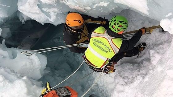 Monte Bianco, trovati morti due alpinisti dispersi in un crepaccio sotto la valanga