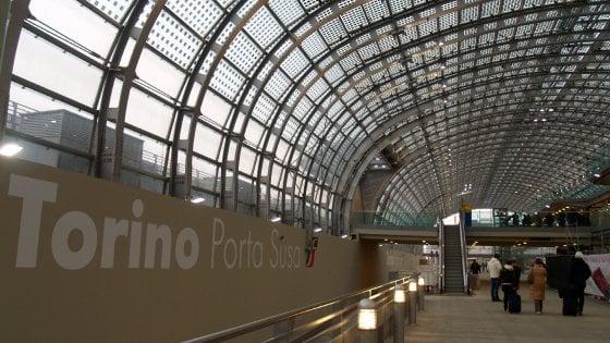 Torino lavanderia e piatti pronti per i pendolari nella - Treni torino porta susa ...
