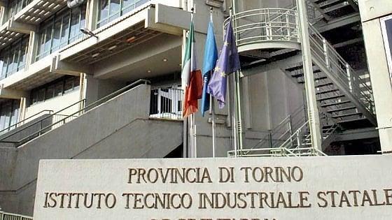Torino, studente sospeso per aver creato un mercato nero delle merendine