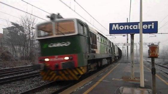 Stritolato da un treno alla stazione di Moncalieri, forse è un suicidio