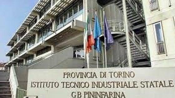 Torino, tutto vogliono assumere il ragazzo che vende merendine