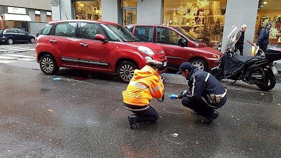 Torino, pedone investito da scooter in via San Secondo: grave